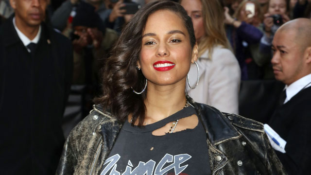 Alicia Keys Bans Phones At Her Concerts